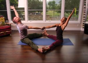 Partner Yoga Upavistha Konasana