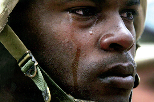iraq_soldier_cries