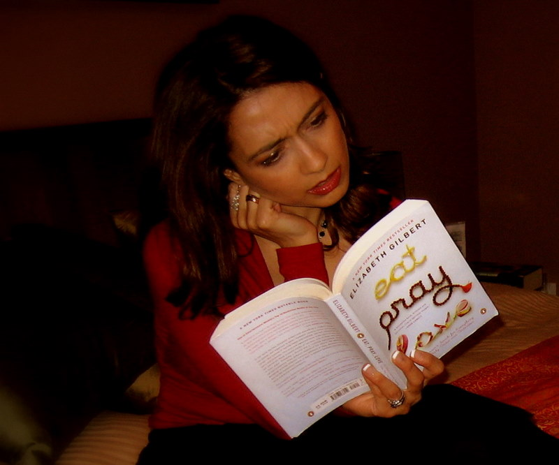 Eat-Pray-Love-Reading-Elizabeth-Gilbert