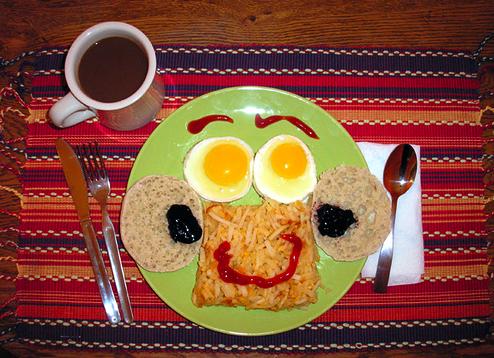 cholesterol breakfast egg smile face