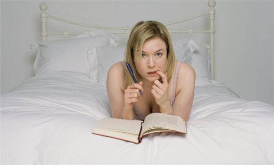 bridget_jones_writing_in_diary1