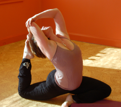 Anne in pigeon backbend