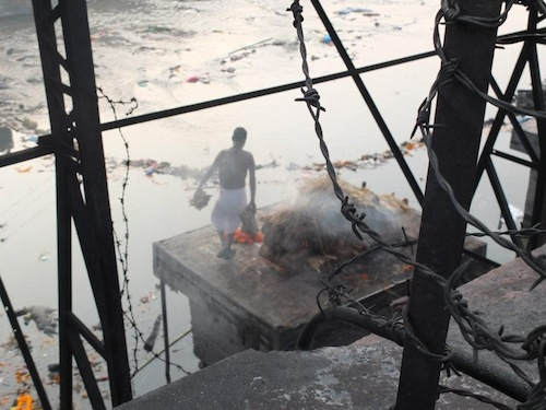 At the cremation ghats(Photo by: Bess Prescott)