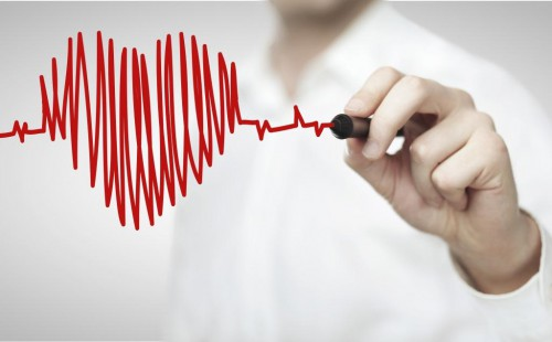 doctor drawing heartbeat