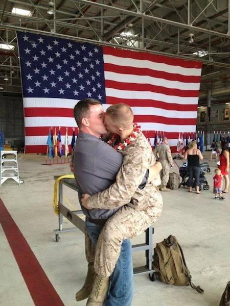 kissing america
