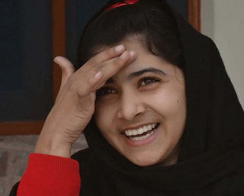 Malala-Yousafzai-smile-amazing-photo-pictures