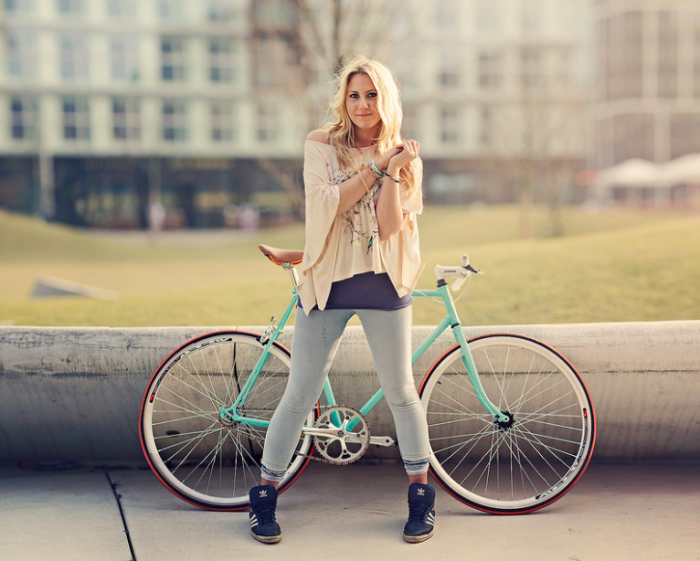 single_speed_girl_Borys_Las-Opolski