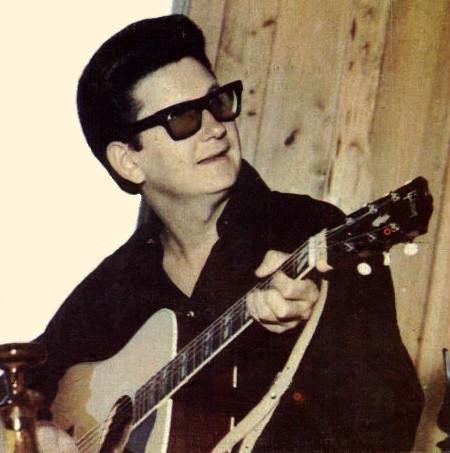 http://commons.wikimedia.org/wiki/File:1965_Roy_Orbison.jpg