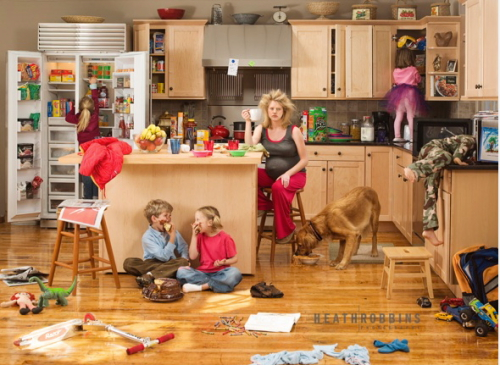 Housewife mess children out of control