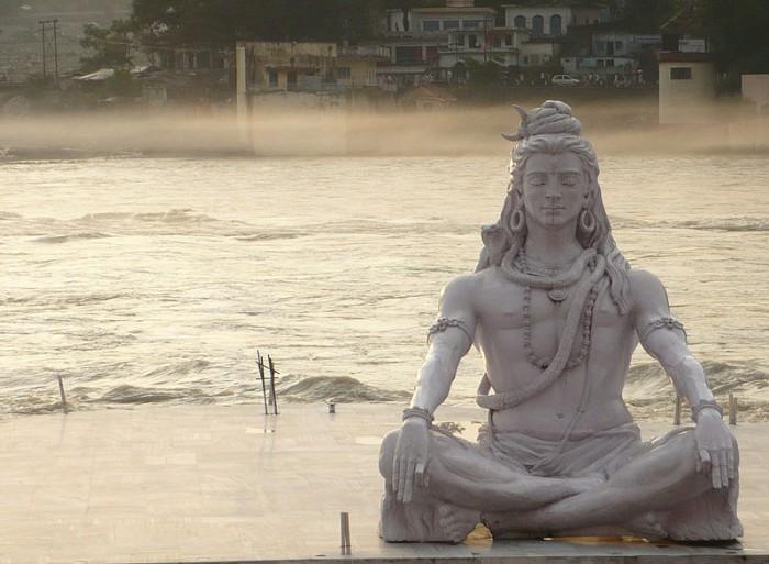 Shiva_in_rishikesh meditation hindu