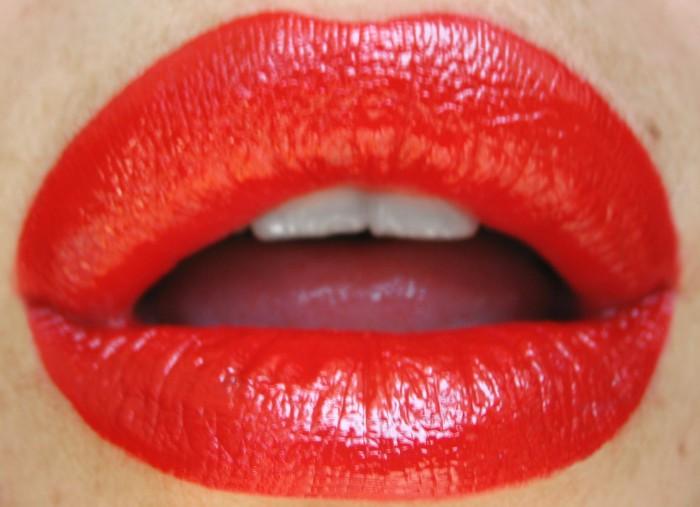 Lips by Belen Mendez