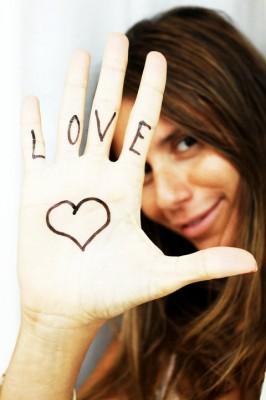 love hand anna
