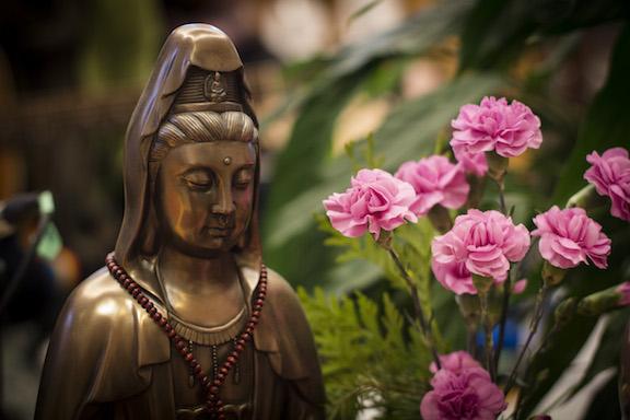 Kuan Yin w flowers