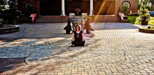 mindful sit meditate