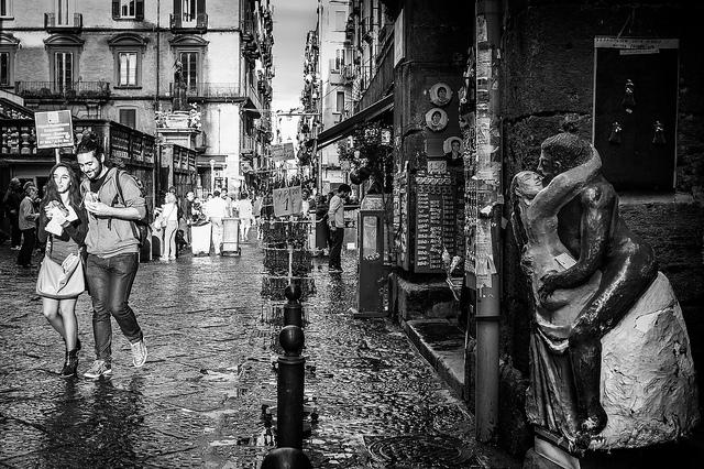 love street couple walk statue