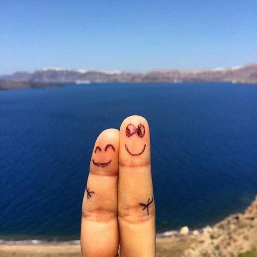 Rachel & Dennis finger people (courtey Rachel Brathen do not use )