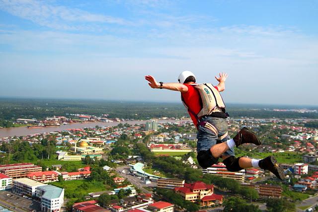 parachutingdude