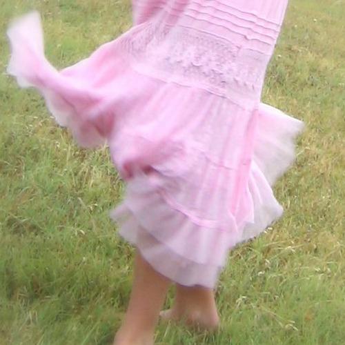 pink skirt-Scheffer article