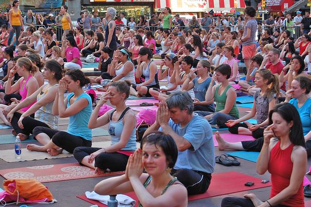yoga crowd class mat