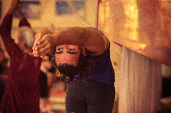 Dov Vargas and Sri Dhama Mittra at Wanderlust Festival (via Flickr)