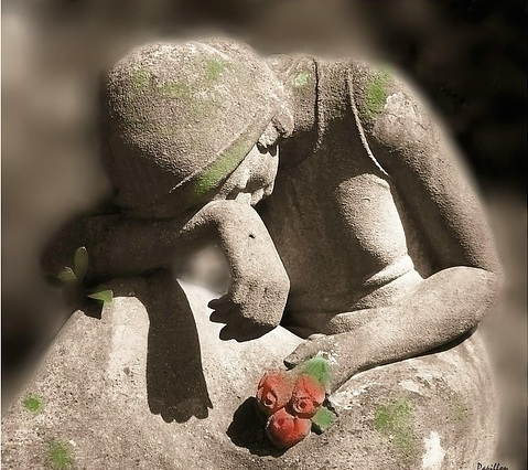 Mourningstatue