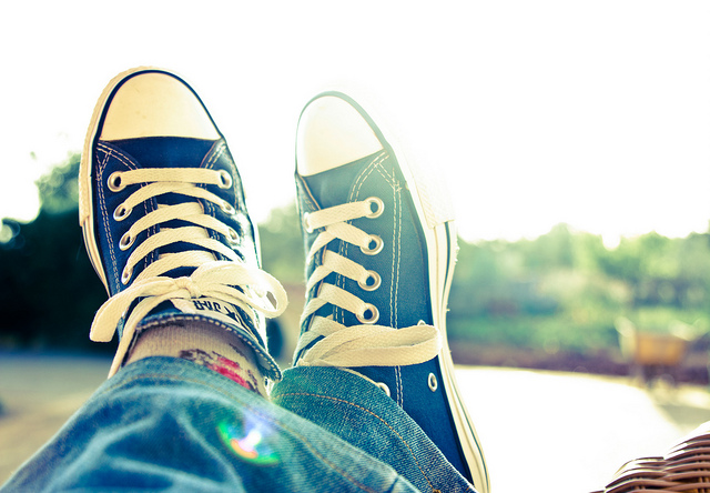 feet shoes converse rest relax