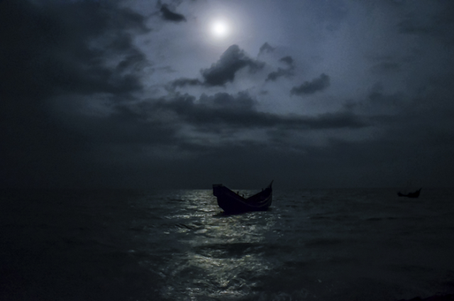 moon and boat