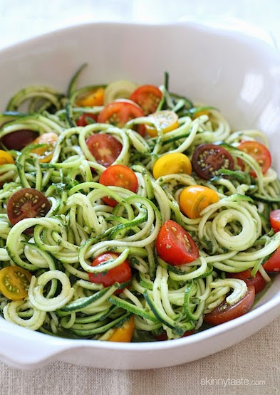 zucchini-noodles-with-pesto-and-tomatoes