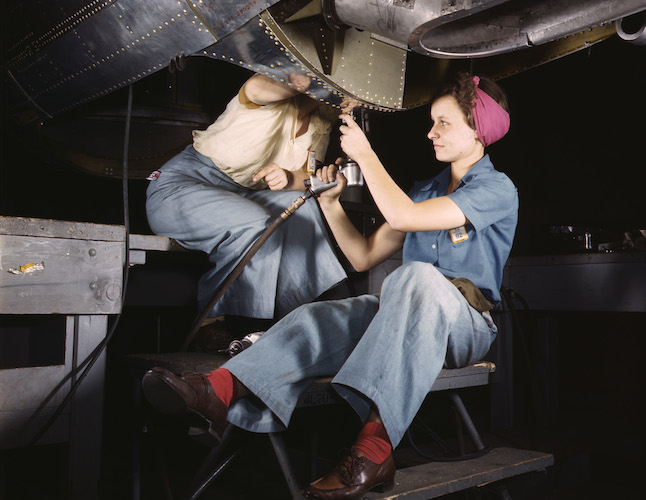 Women_working_at_Douglas_Aircraft
