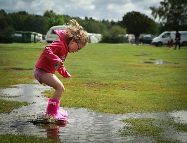 girl splashing