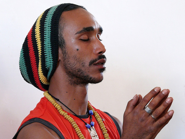 man rasta hat meditation