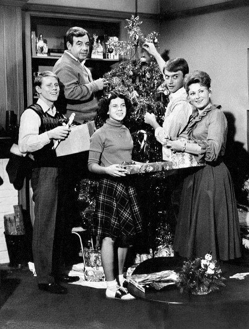 Cunningham_family_Christmas_Happy_Days_1974