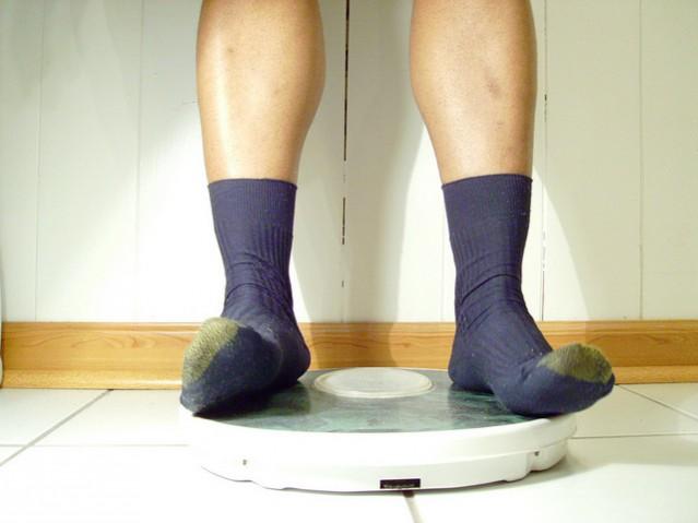 feet scale socks weight