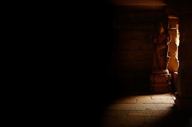 god light pray statue buddha silent meditation