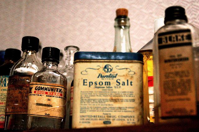 vintage old remedies cans epsom