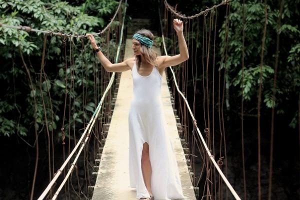 Model: Eliza Sloane Photographer: Tobi Salver