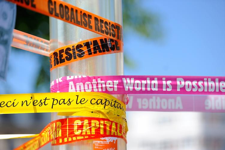 Manifestation_anti-G8_au_Havre_-_21_mai_2011_-_025_v1