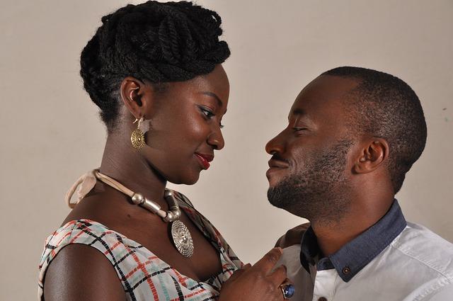 couple-254683_640