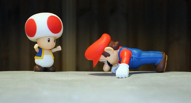 Mario in plank