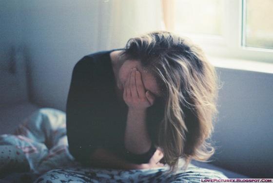 alone-sad-girl-broken-heart-cry-bed