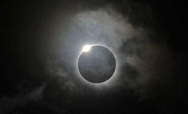 lunar eclipse tomorrow_0