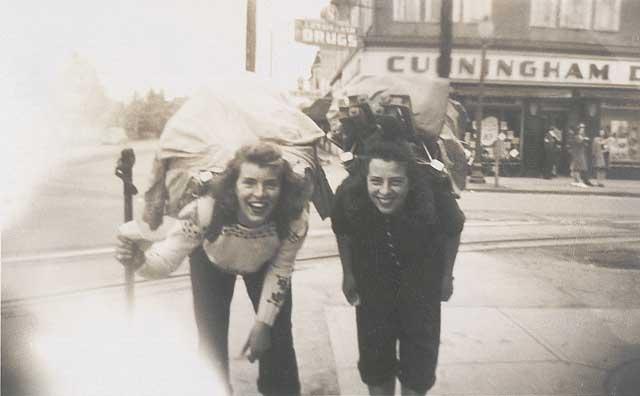 traveling girls, beautiful, vintage, backpacking