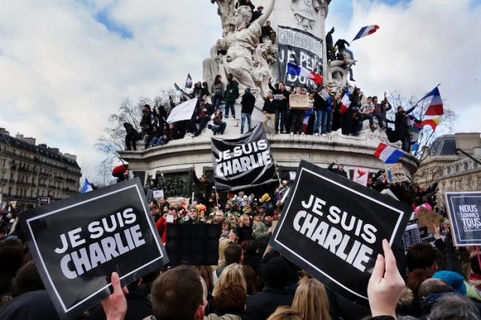 Je_suis_Charlie,_Paris_11_January_2015_(3) (800x533)