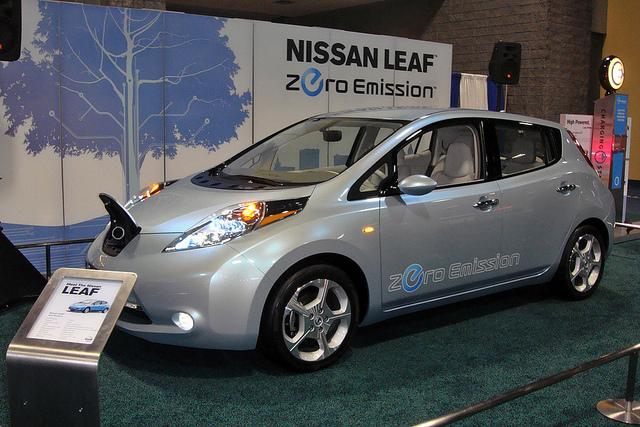 nissan leaf zero emission green car