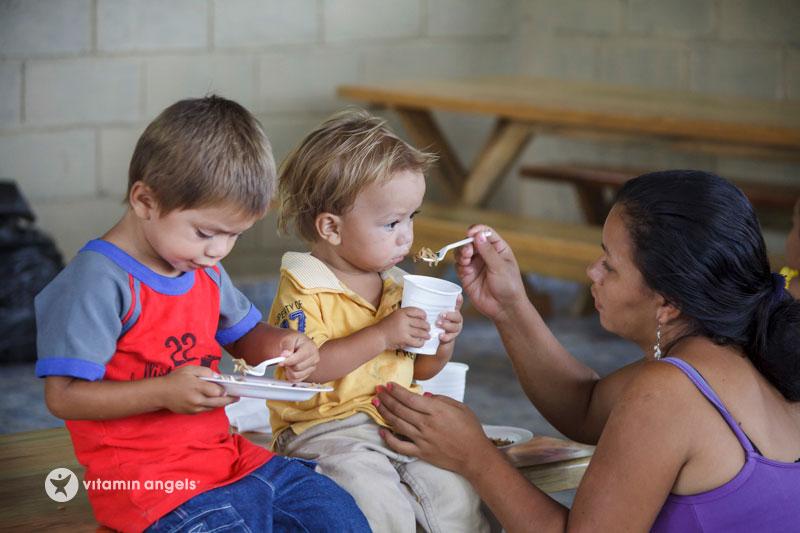 vitamin angels eating HN12-2749WM