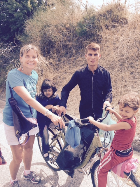 bike with father and kids