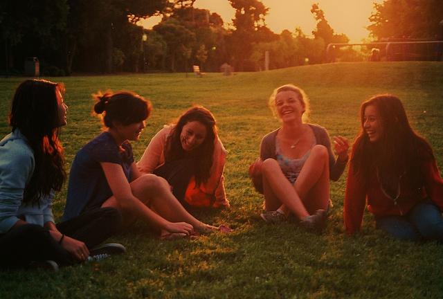 teenage girls friends summer smile
