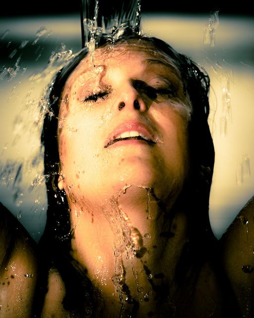 woman_shower
