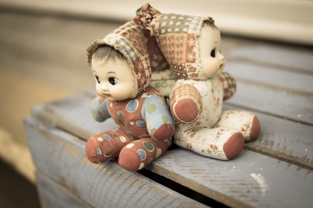 old-dolls-puppets-toys
