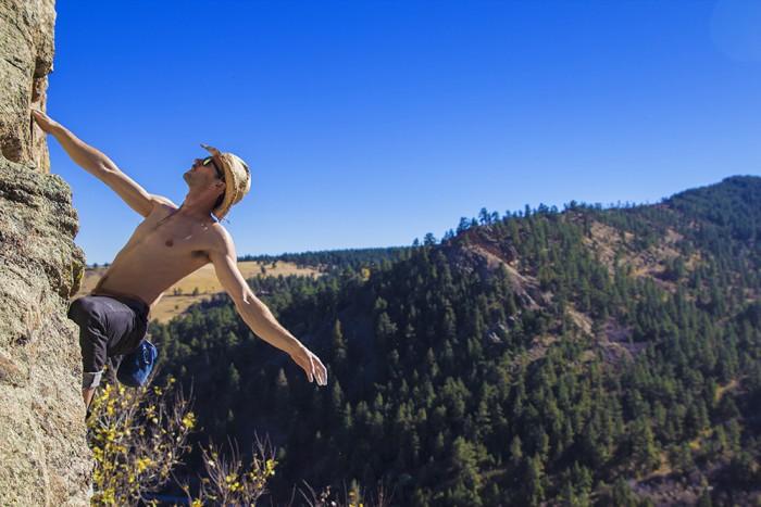 Dan_Proudfoot_Climbing